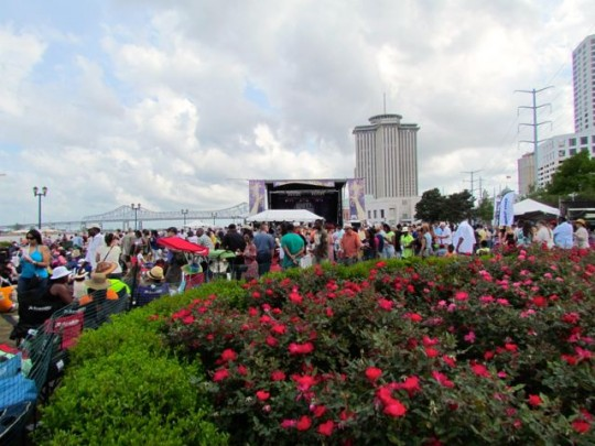 Afternoon Crowds At The Waterfront Stage