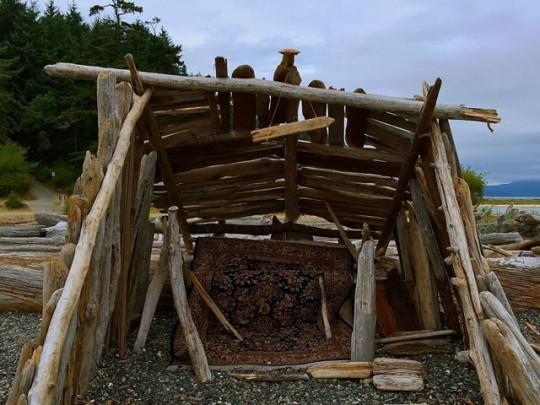 Luxurious Driftwood Hut