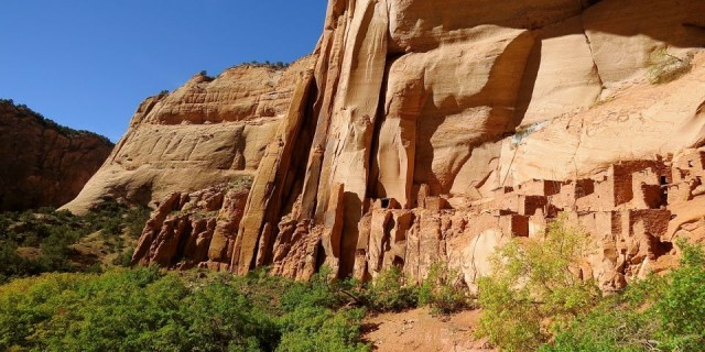 Hiking To Betatakin: Navajo National Monument