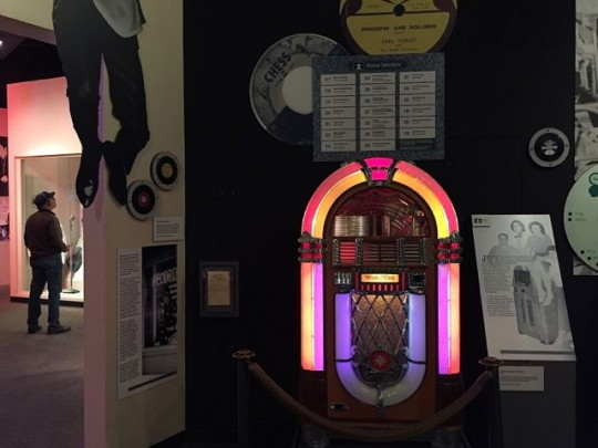 Jukeboxes For Listening To Tunes