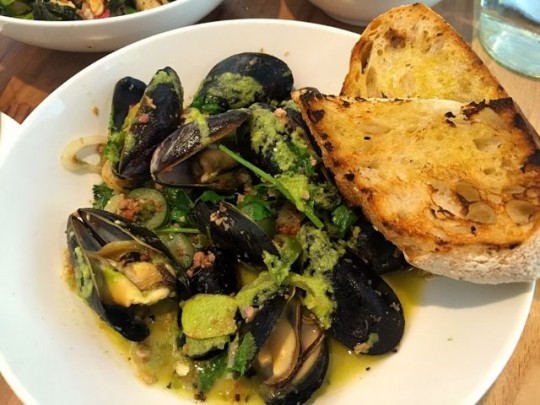 Green Curry Mussels